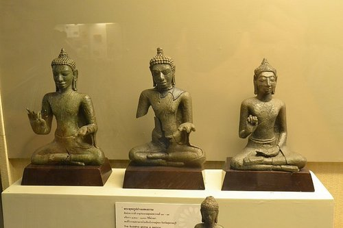 rsz_tuong-phat-trong-bao-tang-quoc-gia-thai-lan